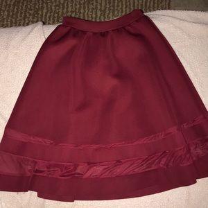 Cute long skirt!